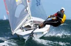 Парусная лодка швертборт олимпийского класса финн. 2000 год