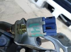Концевик под педаль тормоза Toyota 84340-32110