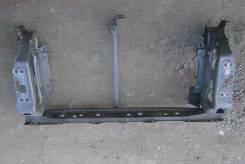 Нижняя рамка радиатора