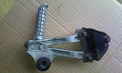 Продам крепление глушителя с подножкой zzr 1100 c