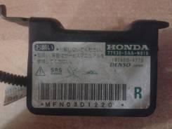 Продам Датчик airbag передний правый Honda Fit GD1 L13A 77930-SAA-N810