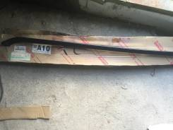 Молдинг лобового стекла FR RH Toyota 75551-44010