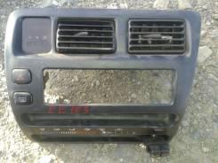 Консоль магнитофона на Toyota corolla EE103 55405-12770