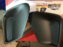 Продам заглушки в передний бампер на Короллу в 151 кузове 2010-2013 г.