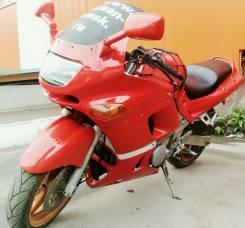 Kawasaki ZZR 400, 1996