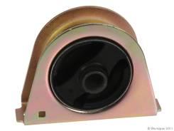 Подушка двигателя MR333578 на Баляева