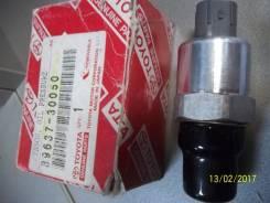 Датчик давления гидросистемы Toyota LandCruiser100 89637-30050 v