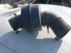 Резонатор воздушного фильтра Тойота Краун GS131
