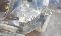 Крепление заднего бампера (R)
