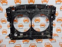 Рамка радиатора Nissan Pathfinder