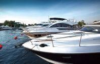 Производим спуск на воду и подъем катеров и яхт.
