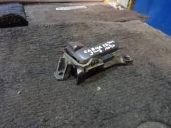 Ручка двери внутренняя. Toyota Carina ED, ST202