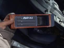 Продам ящик передней консоли Audi A6 C5 2000г