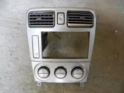 Консоль магнитофона  Subaru Forester SG5