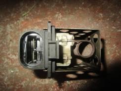 Резистор вентилятора охлаждения. Renault Fluence, L30R, L30T Двигатели: K4M, K4M839, K9K832, K9K834, K9K836, K9K837, M4R, M4R714, M4R751