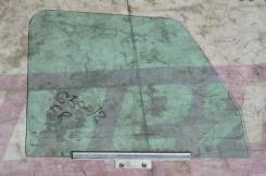 Стекло боковое переднее правое на Mercedes-Benz W463 до 2001года