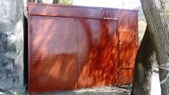 Металлический гараж на Первой речке.