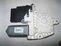 Моторчик стеклоподъемника задний правый VW Jetta 2006-2011; Golf V Plus