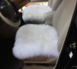 Меховые подушки в машину