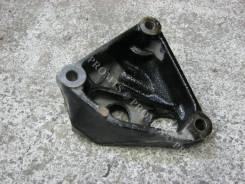 Крепление двигателя Toyota RAV4 IV