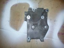 Кронштейн крепления компрессора кондиционера Nissan QG15DE