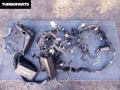 Блок предохранителей, реле под капот. Toyota Mark X, GRX121 3GRFSE