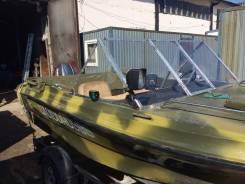 Лодка Нептун - 4,3 метра длина c тентом двигатель yamaha - 40 л. с.