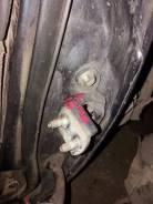Крепление боковой двери Toyota Carina ST190, левое заднее
