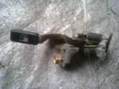 Ручка открывания бензобака. Toyota Raum, EXZ10 5EFE