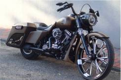 Harley-Davidson Road King Custom Bagger, 2013