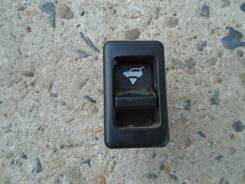 Кнопка открывания стекла задней(пятой) двери