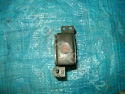 Кнопка аварийной сигнализации Subaru Legacy B4 1999