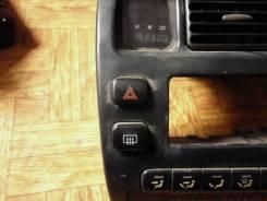 Кнопка включения аварийной сигнализации. Toyota Sprinter, AE100, AE101, AE102, AE104, AE109, CE100, CE102, CE102G, CE104, CE105, CE106, CE107, EE101...
