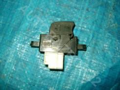 Блок управления стеклоподъёмниками Nissan Almera 2003, правый передний