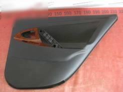 Обшивка задней правой двери Toyota Camry 40