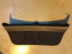 Обшивка двери багажника Авенсис универсал 2003-2009.
