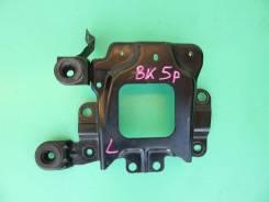 Крепление воздушного фильтра. Mazda Mazda3, BK Mazda Axela, BK5P