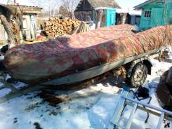 Продам моторную резиновую лодку 2008 года с телегой
