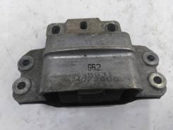 Подушка двигателя левая Volkswagen Passat B6 2005-2010