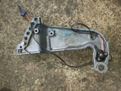 Кронштейн опоры двигателя (левая) Yamaha 2х-так 115-140
