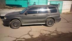 Стекло собачника левое Subaru Forester SG5