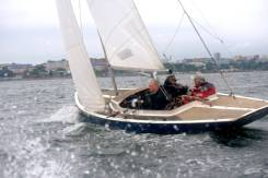 Классическая парусная яхта класса Дракон во Владивостоке. Длина 8,90м., 1988 год