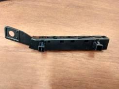 Крепление бампера правое Nissan Tiida 62224-ED000