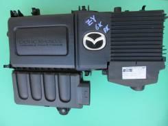 Корпус воздушного фильтра. Mazda: Training Car, Mazda3, Demio, Verisa, Axela