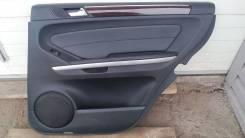 Обшивка двери задняя правая на Mercedes-Benz GL-Class 164