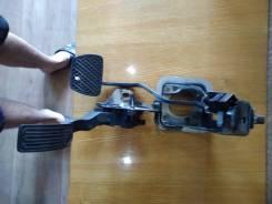 Педаль подачи топлива на Nissan JUKE NF15
