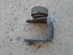 Крепление подушки двигателя задняя