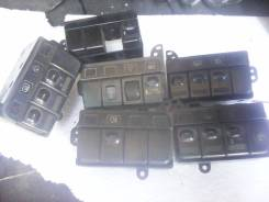 Кнопка центрального замка ММС RVR-Chariot 91-96гг