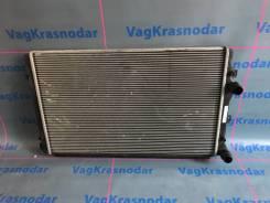 Радиатор основной VW Passat B6 Golf 5 Touran