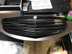 Решетка радиатора Mercedes W204 Черная